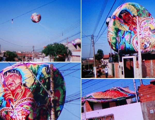 Partes do balão caíram em pelo menos oito casas do bairro (Foto: Reprodução EPTV)