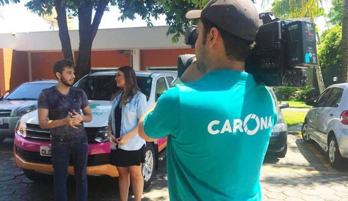 Cecília conversa com o sertanejo Gustavo Mioto (Foto: Nágila Moraes)