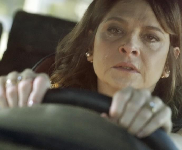 Carolina fica aos prantos com revelação de Giovanna (Foto: TV Globo)