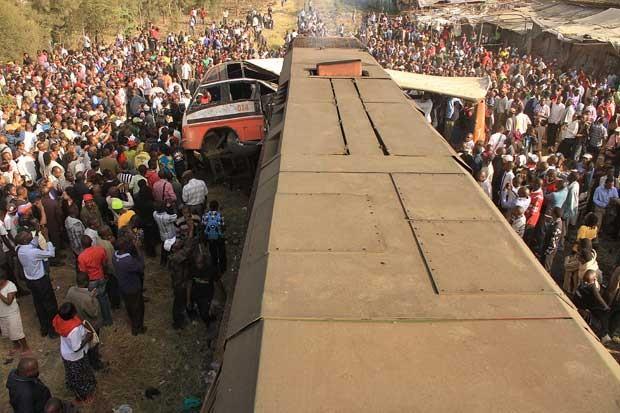 Visão geral da cena do acidente nesta quarta-feira em Nairóbi, no Quênia (Foto: Stringer/ AFP)