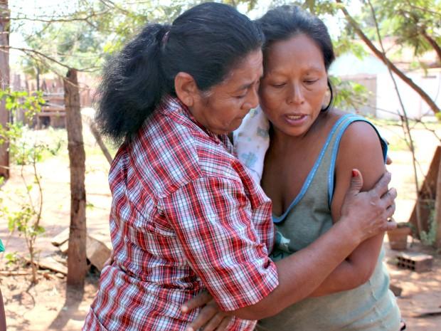 Mãe das quadrigêmeas conta com ajuda da avó das crianças (Foto: Gabriela Pavão/ G1 MS)