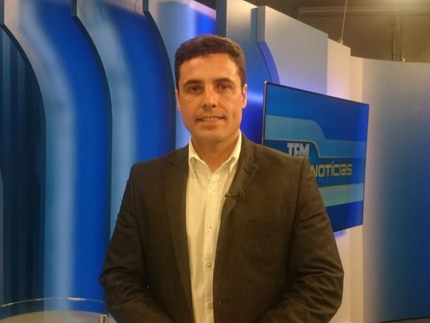 Juliano Ferreira, candidato à prefeitura de Marília, é entrevistado no TEM Notícias (Foto: Heloísa Casonato/ G1)