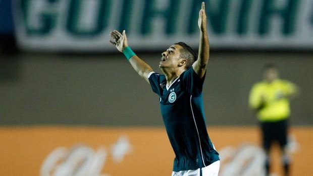 Esquerdinha gol Goiás x Palmeiras (Foto: Adalberto Marques / Ag. Estado)
