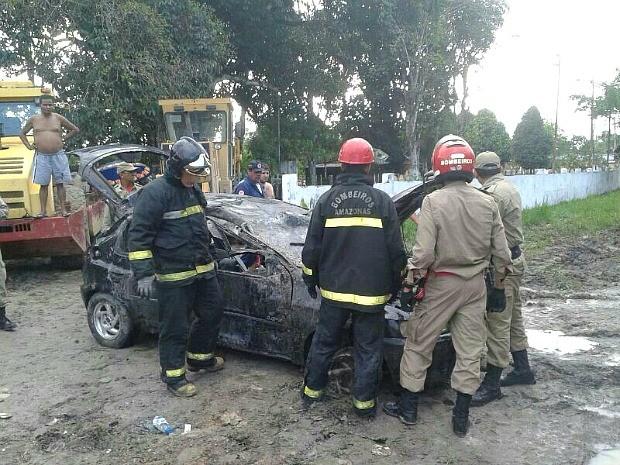 Homens do Corpo de Bombeiros foram enviados ao local (Foto: Corpo de Bombeiros/Divulgação)