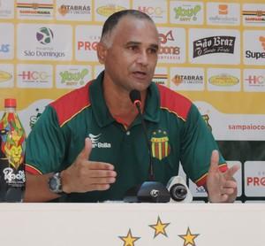 Oliveira Canindé deixa em aberto time titular do Sampaio para o confronto diante do Araioses (Foto: Sampaio/Divulgação)