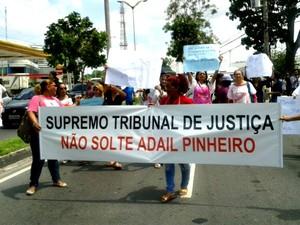 Grupo pede que justiça mantenha prisão (Foto: Suelen Gonçalves/G1 AM)