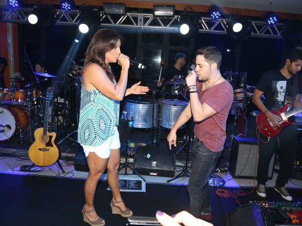 Levi Lima, do Jammil, e Ivete Sangalo em show em Salvador, na Bahia (Foto: Fred Pontes/ Divulgação)