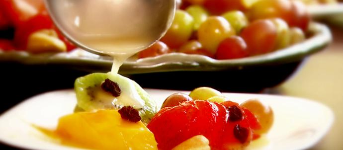 A Calda de Espumante é uma opção prática e saborosa para a sobremesa da Virada (Foto: Reprodução EPTV )