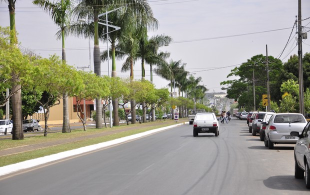 Avenida em Lucas do Rio Verde (Foto: Robson Boamorte/GloboEsporte.com)