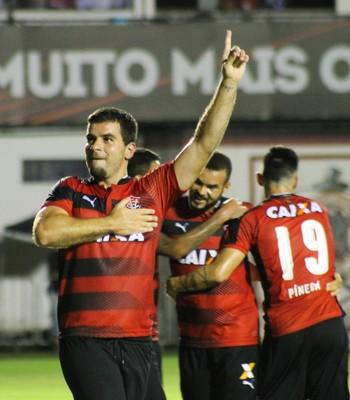 andré lima; vitória x bragantino (Foto: Maurícia da Matta / EC Vitória / Divulgação)