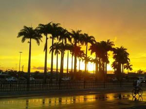 O sol continua predominado no estado acompahando de muito calor  (Foto: Valéria Martins/G1)