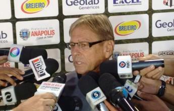 Waldemar se diz satisfeito com o time e promete dosar treinos antes da final