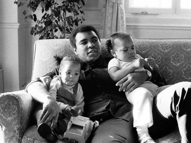 Muhammad Ali e as filhas Laila e Hana  (Foto: Action Images / MSI / arquivo / via Reuters)