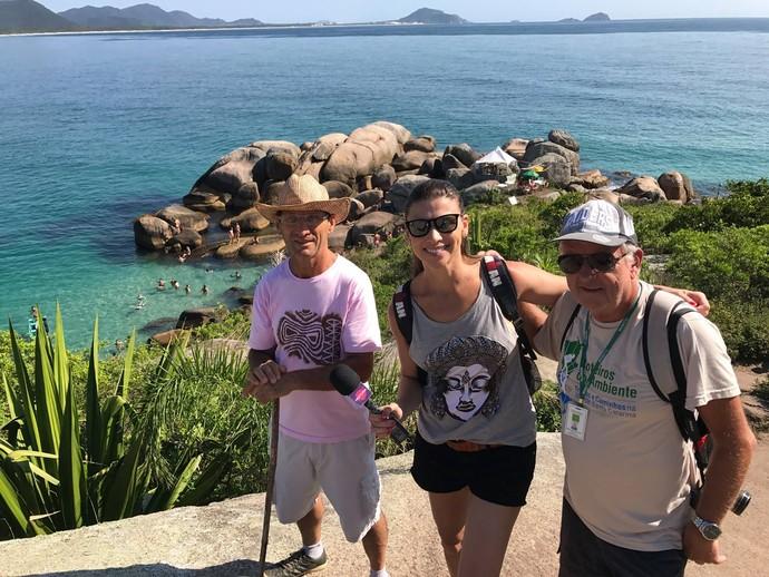 Camille Reis visitou piscinas da Barra da Lagoa  (Foto: RBS TV/Divulgação )