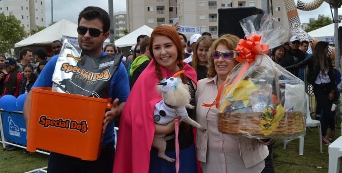 Ganhadora na categoria 'Fashion' (Foto: Reprodução / TV Diário)