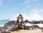 Beyoncé, de maiô, curte praia com Jay-Z e a filha, Blue Ivy
