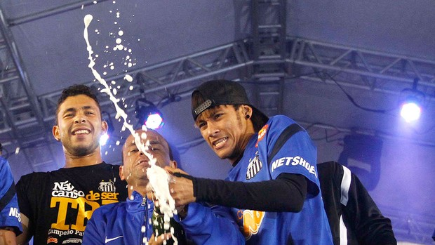 Santos, Festa do Título, Neymar e Leo (Foto: Gustavo Tilio)