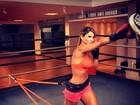 Dany Bananinha retoma a rotina de exercícios e treina boxe