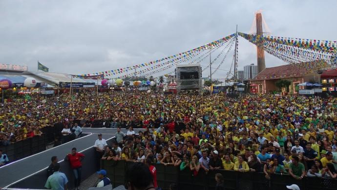 Brasil x Camarões Pátio do Forró Caruaru (Foto: André Vinícius / GloboEsporte.com)