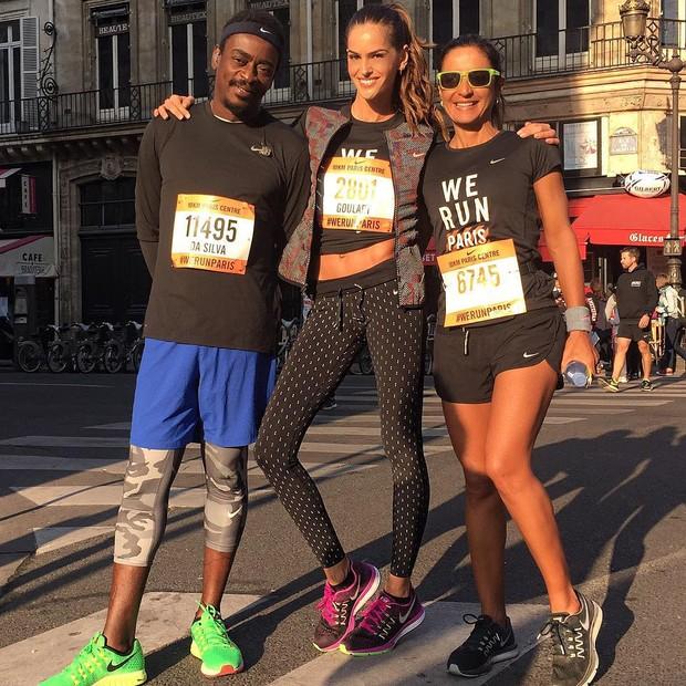 Seu Jorge, Izabel Goulart e Fernanda Keller participam de prova em Paris (Foto: Instagram/Reprodução)