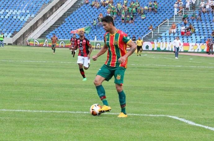 Carlos Alberto jogando pelo Sampaio no Castelão (Foto: Elias Auê/Sampaio)