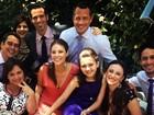 Paolla Oliveira posta foto sorridente com elenco de 'Amor à vida'