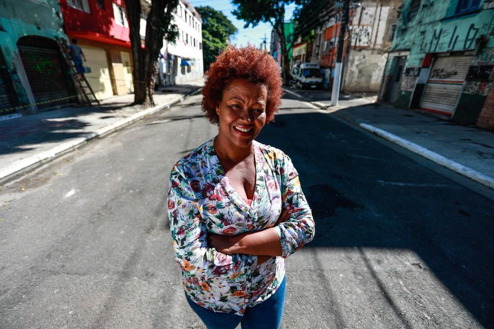 Pastora Nildes trabalha há 13 anos na região da Cracolândia. Usuários chegam a esconder o cachimbo quando ela passa, em sinal de respeito (Foto: Fábio Tito/G1)