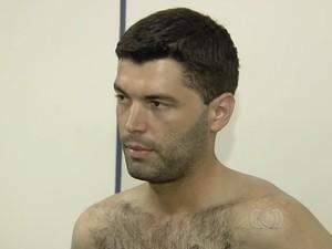 Tiago Henrique, suposto serial killer, disse que quer pedir desculpa às famílias das vítimas e quer tratamento, em Goiânia, Goiás (Foto: Reprodução/TV Anhanguera)