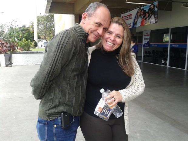 O casal Luiz e Fernanda só vai ficar feliz se os dois passarem juntos na OAB. (Foto: Carolina Paes/G1)