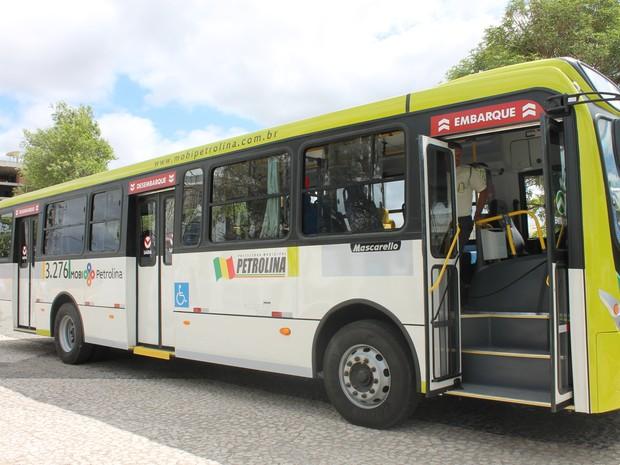 Frota de ônibus é renovada em Petrolina (Foto: Taisa Alencar / G1)