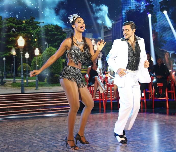 Felipe Simas brilha em sua última apresentação do 'Dança' (Foto: Carol Caminha/ Gshow)