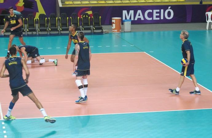 Treino seleção brasileira vôlei maceió sul-americano (Foto: Marcello Pires)