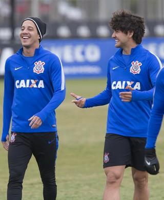 Willians Rodriguinho Pato Corinthians (Foto: Daniel Augusto Jr/Ag. Corinthians)