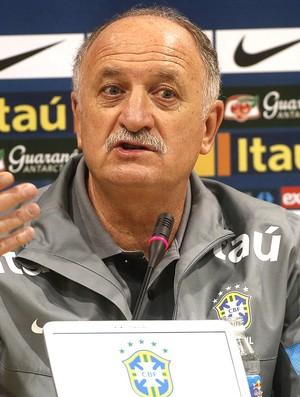 Felipão coletiva seleção brasileira (Foto: EFE)
