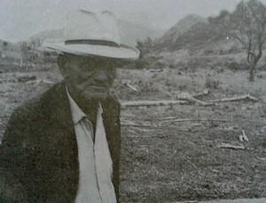 Um dos poucos registros fotográficos do senhor Lafayette Cardoso de Resende, torcedor do Rio Branco-ES (Foto: Reprodução/Livro 'Rio Branco Atlético Clube - Histórias e Conquistas')