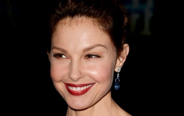 A atriz Ashley Judd pensava em se suicidar quando estava na sexta série. Além disso, em 2006, passou 42 dias numa clínica para tratar a depressão. (Foto: Getty Images)