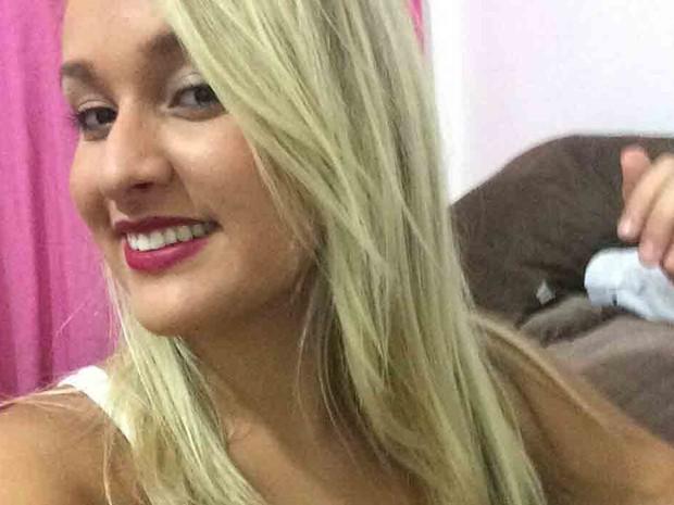 Letícia morreu após sera atropelada por caminhão em rua de Santos (Foto: Reprodução / Facebook)