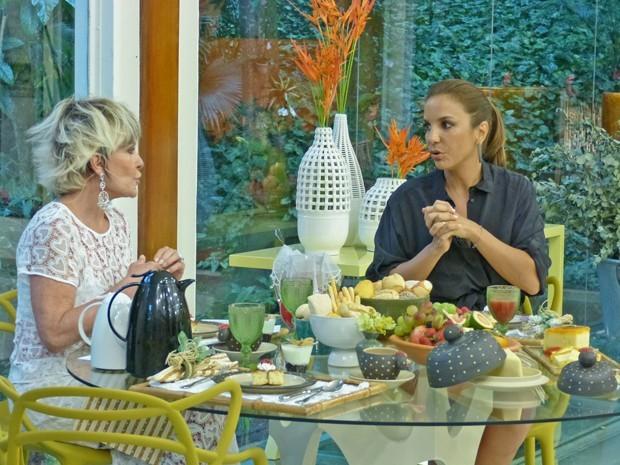 Ivete conversa com Ana Maria Braga (Foto: Mais Você / TV Globo)
