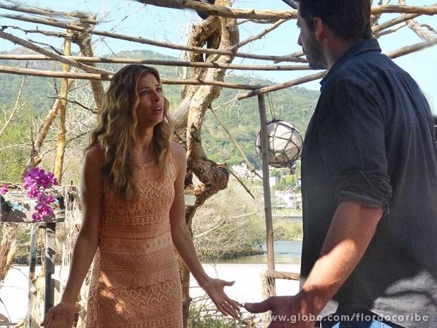 Cassiano confessa que ficaria com Cristal se Ester o largasse (Foto: Flor do Caribe / TV Globo)