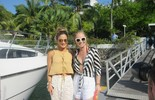Angélica e Claudia Leitte passeiam de iate em Salvador