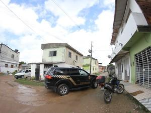 Polícia Federal faz buscas em residências de envolvidos na Operação Black List (Foto: Aldo Carneiro/ Pernambuco Press)