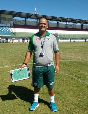 Roy, novo técnico da Cabofriense (Foto: Andreia Maciel/Cabofriense)