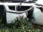 Dois morrem após carro bater de frente com camionete na BR-153