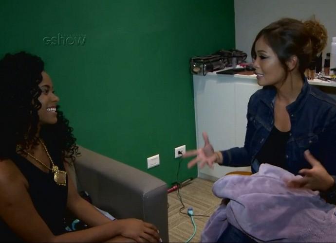 Brennda Martins recebe dicas de Carol Nakamura (Foto: Gshow)