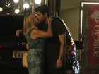 Voltaram? Susana Vieira beija Sandro Pedroso após jantar