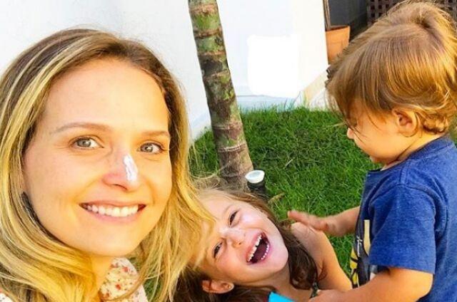 Fernanda Rodrigues com os filhos, Luisa e Bento (Foto: Reprodução)