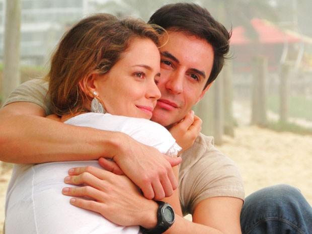 Inácio e Rosário estão cada dia mais envolvidos (Foto: Cheias de Charme / TV Globo)