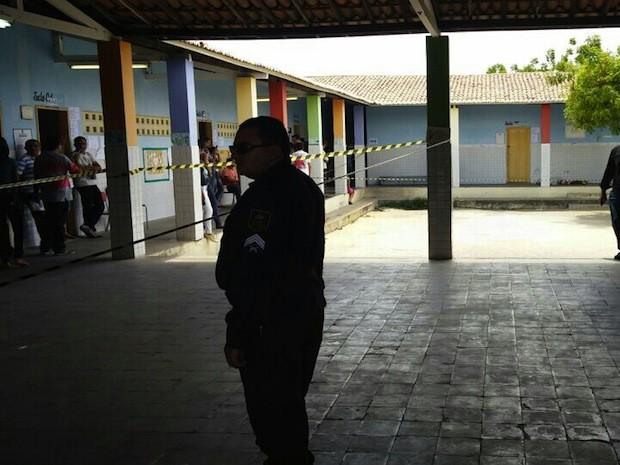 Robson Diego de Moura Soares, 20 anos, foi morto dentro de escola em Mossoró, RN (Foto: Kennedy Diógenes/G1)