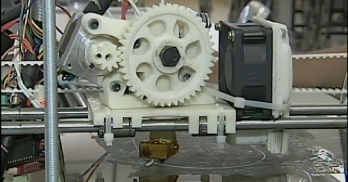 Alunos da Fatec adaptam impressora 3D para materiais recicláveis em Tatuí