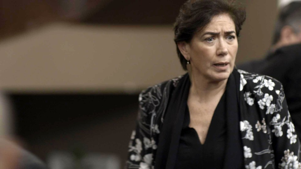Silvana sai correndo do cassino (Foto: TV Globo)